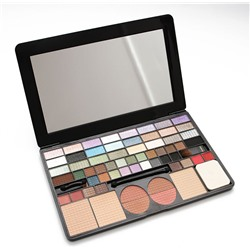 Палетка Chanel 61 color makeup plate